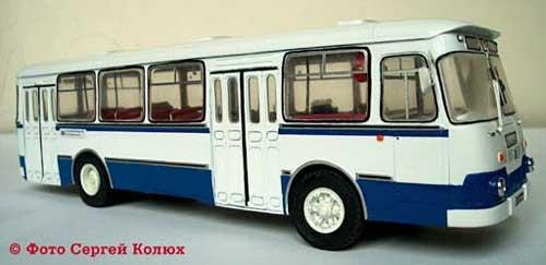 Автомодельное бюро: ЛиАЗ-677М